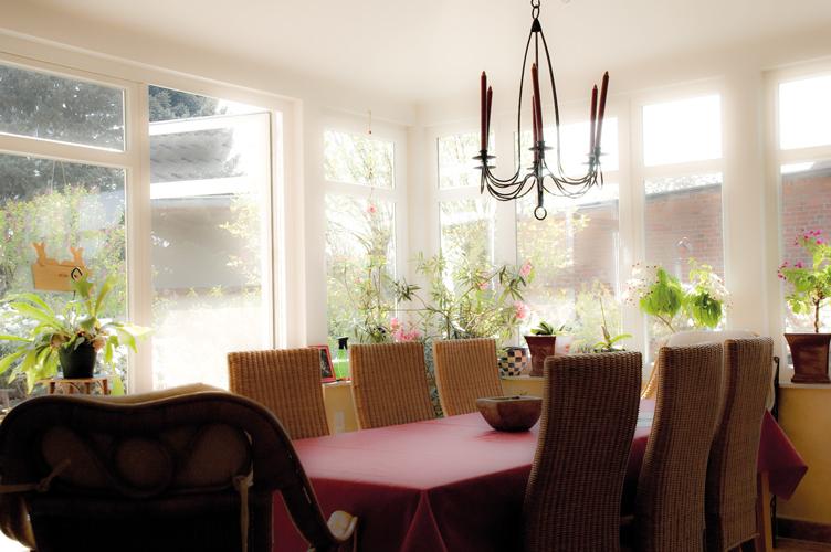 Holzfenster weiss innen  Holzfenster – Jost GmbH